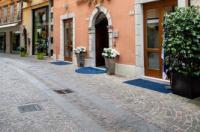 Hotel Antico Borgo Image
