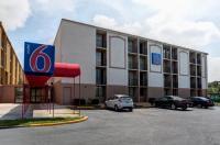 Motel 6 Jackson Image