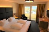 Hotel Arzlerhof Image