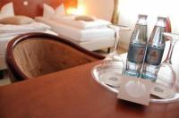 Hotel Aurora Image