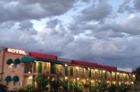 Crown Motel Image