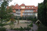 Hotel Sante Image