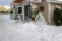 Stowe Motel & Snowdrift Image