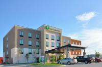 Holiday Inn Express & Suites Oklahoma City Mid - Arpt Area Image