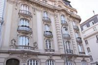 Hotel Pension Museum Image