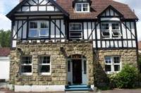 Castle Lodge Guest House Gatwick Image