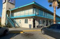 Ez 8 Motel Bakersfield Image