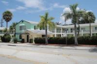 Holiday House Motel Image