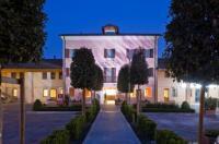 Al Tezzon Hotel Image