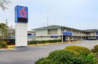 Motel 6 Charleston South Image