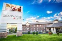 Grand Oaks Hotel Image