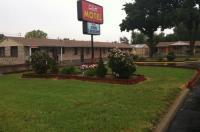 C & H Motel Image