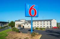 Motel 6 Newport OR Image