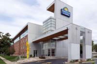 Days Inn And Suites Milwaukee Image