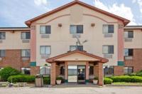Super 8 Motel - Portage Image