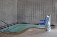 Nichols Inn & Suites Image