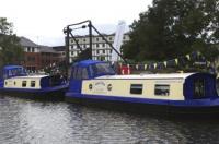 Houseboat Hotels Image