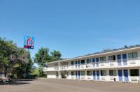 Motel 6 Bismarck Image