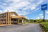 Knights Inn Tampa Image