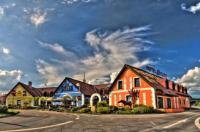 Hotel Elzet Image