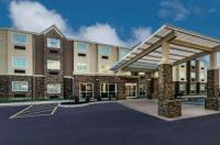 La Quinta Inn & Suites Collinsville - St Louis Image