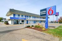 Motel 6 Topeka Northwest Image
