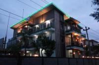 Bandengan Beach Hotel Image