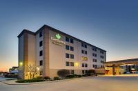 Expressway Inn and Suites Bismarck Image