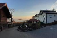Kastanienhof Apartment und Restaurant Image