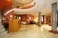 Hotel Pirineos Image