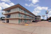 Motel 6 West Memphis Arkansas Image