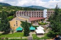Hotel Kiris Image