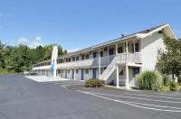 Motel 6 Brattleboro Image