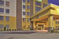 La Quinta Inn & Suites Elkview Image