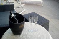 Q Hotel Image
