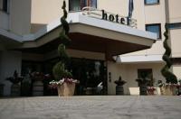 Hotel Bassetto Image