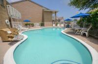Motel 6 Houston-Baytown East Image