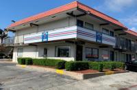 Super 7 Inn Dallas-Southwest Image