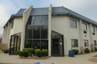 Motel 6 Cloverdale Image