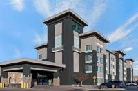La Quinta Inn And Suites Denver Gateway Park Image