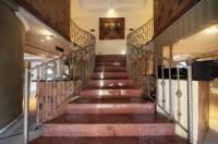 Savoy Lodge Image
