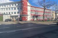Hotel Am Stadion Image