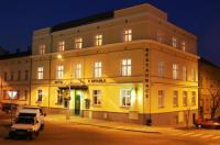 Hotel U Divadla Image