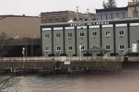 Manistee Inn & Marina Image