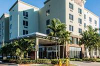 Comfort Suites Miami Airport North Image