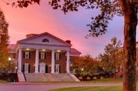 University of Virginia Inn at Darden Image