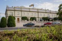 Hotel Mairena Image