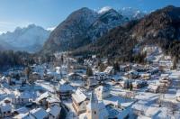 Hotel Valbruna Inn Image
