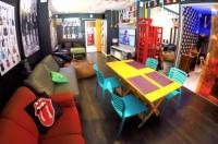 Vila Rock Hostel Image