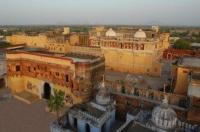 Chanoud Garh Hotel Image